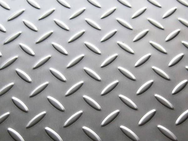 Stainless Steel Checkered Plate Brings Fashion Feeling